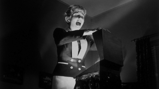 Kiss-Me-Deadly-Criterion